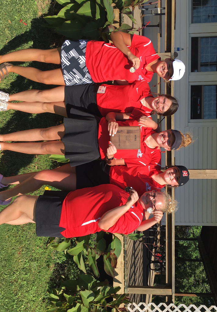 The bulldog golf team had a runner-up finish at the HTRS Invite