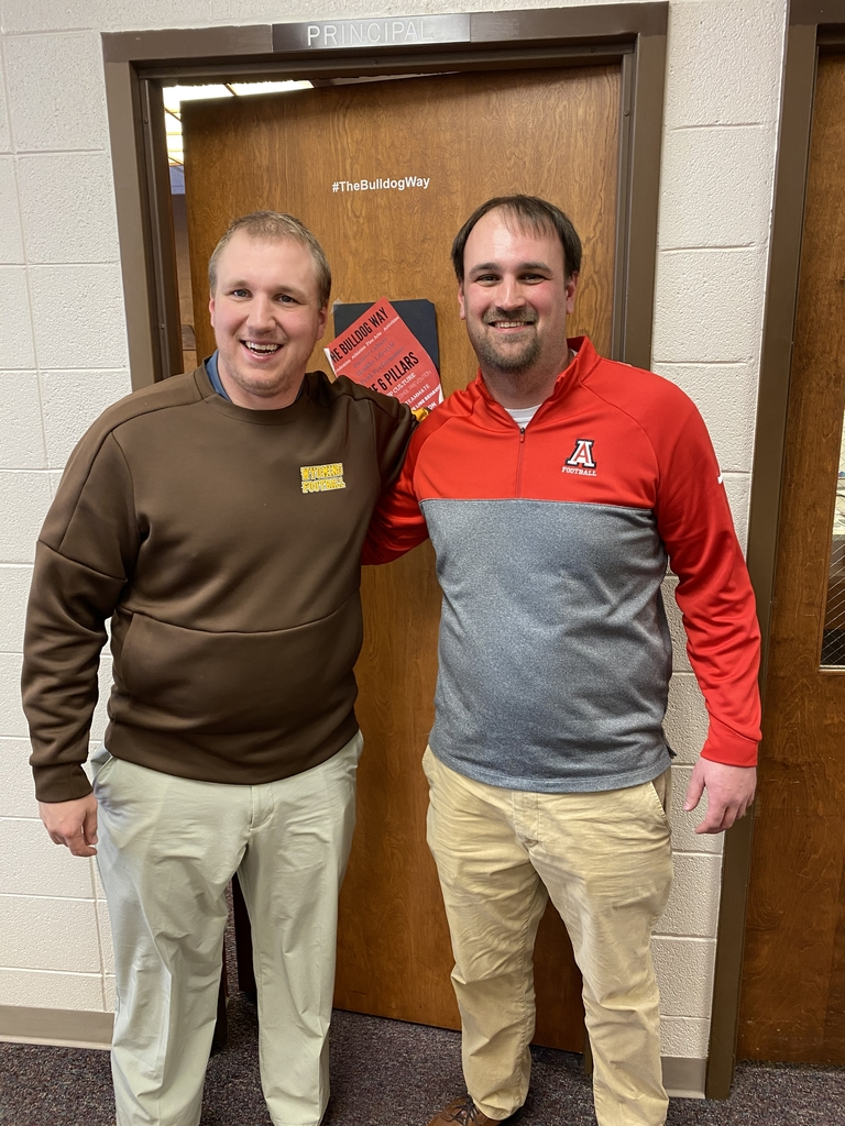 Wyoming Coach visits APS!